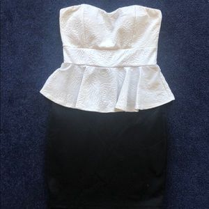 Extra small bosh central black and white dress